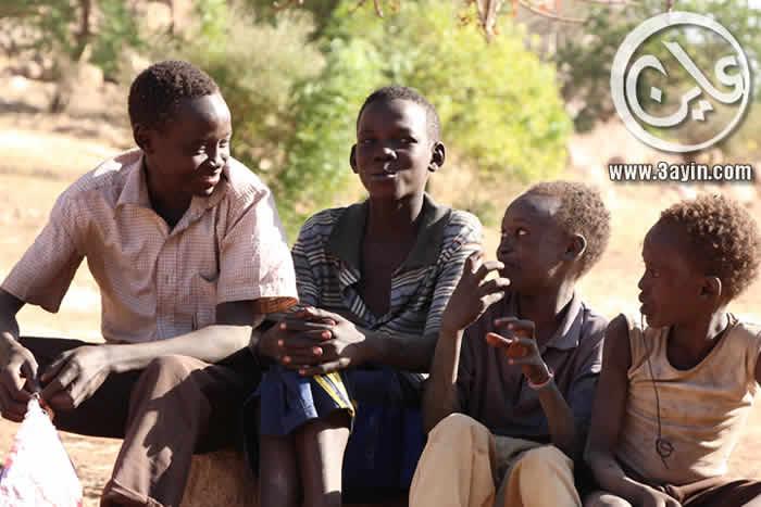 الحكومة السودانية تقوم بتجنيد الاطفال لاستخدامهم في الحرب