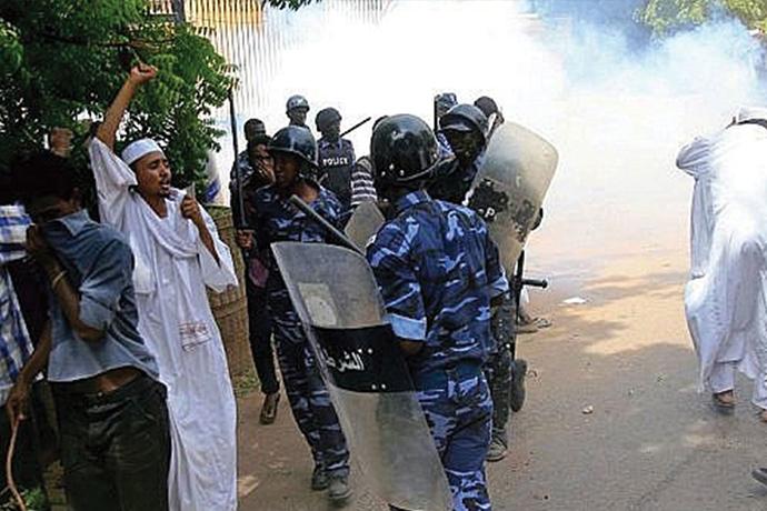 قتلى وجرحى في احتجاجات السودان قُبالة القصر الرئاسي