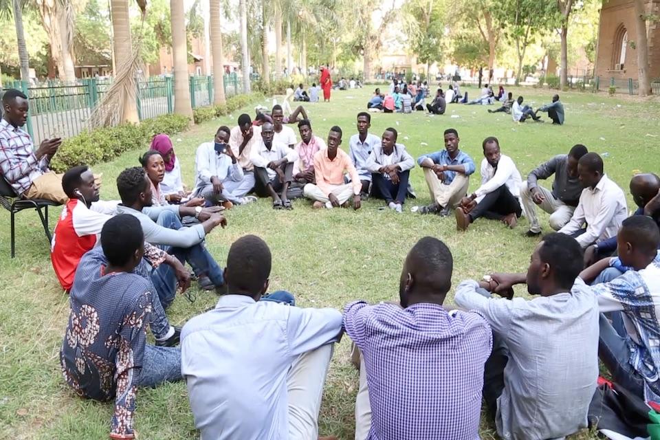 """بالفيديو: كيف أجبر طلاب دارفور تحت التعذيب علي الاعتراف بعلاقتهم ب """"الموساد """""""