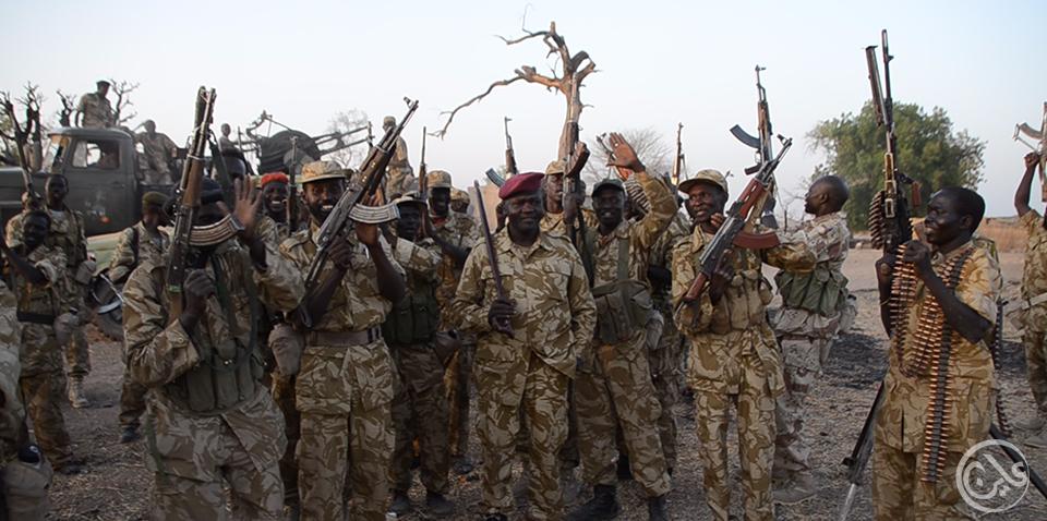 تباين حملة السلاح بين مطرقة استمرار الحرب وسندان السلام