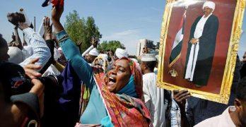 تظاهرات وأخرى مضادة عشية الحكم على البشير