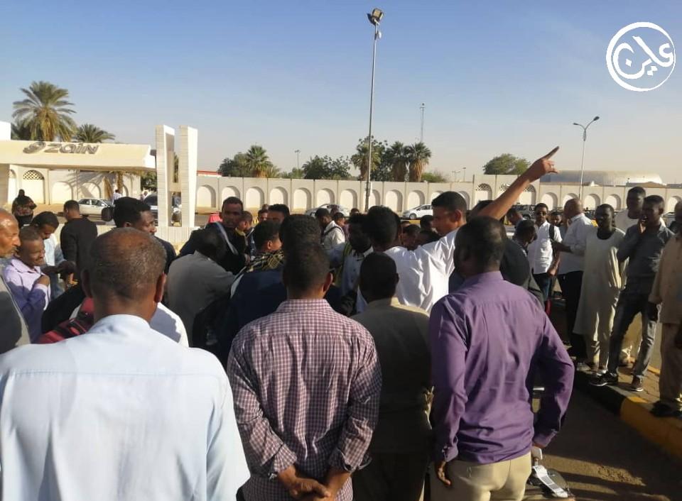 عودة سودانيين خدعتهم وكالة تشغيل اماراتية و(عاين) تورد التفاصيل