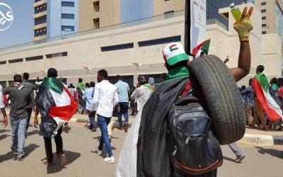السودان: قمع وحشي لمظاهرات قرب القصر الرئاسي تدعو لهيكلة الجيش