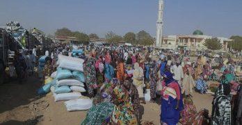 نقص الغذاء بمخيمات دارفور يضطر نازحين للعودة الى قراهم رغم انعدام الامن