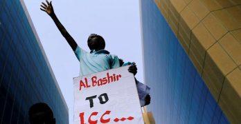 (البشير) إلى الجنائية.. خطوة أولى نحو سلام دارفور