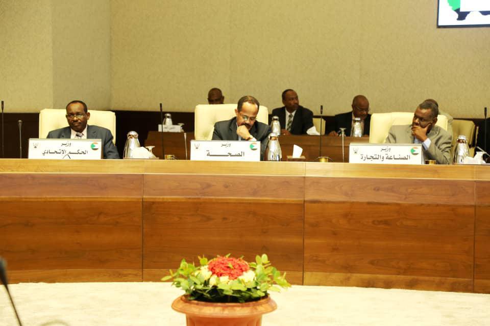 """السودان يحدد مخالفات إجراءات مكافحة """"كورونا"""" وارتفاع حالات الاشتباه"""