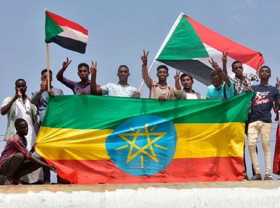 السودان يبدأ مشاورات مصر وإثيوبيا لعودة التفاوض حول سد النهضة