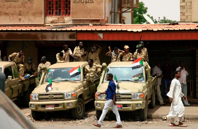 رفع درجة التأهب الأمني في الخرطوم واعتقال (7) من قادة النظام البائد