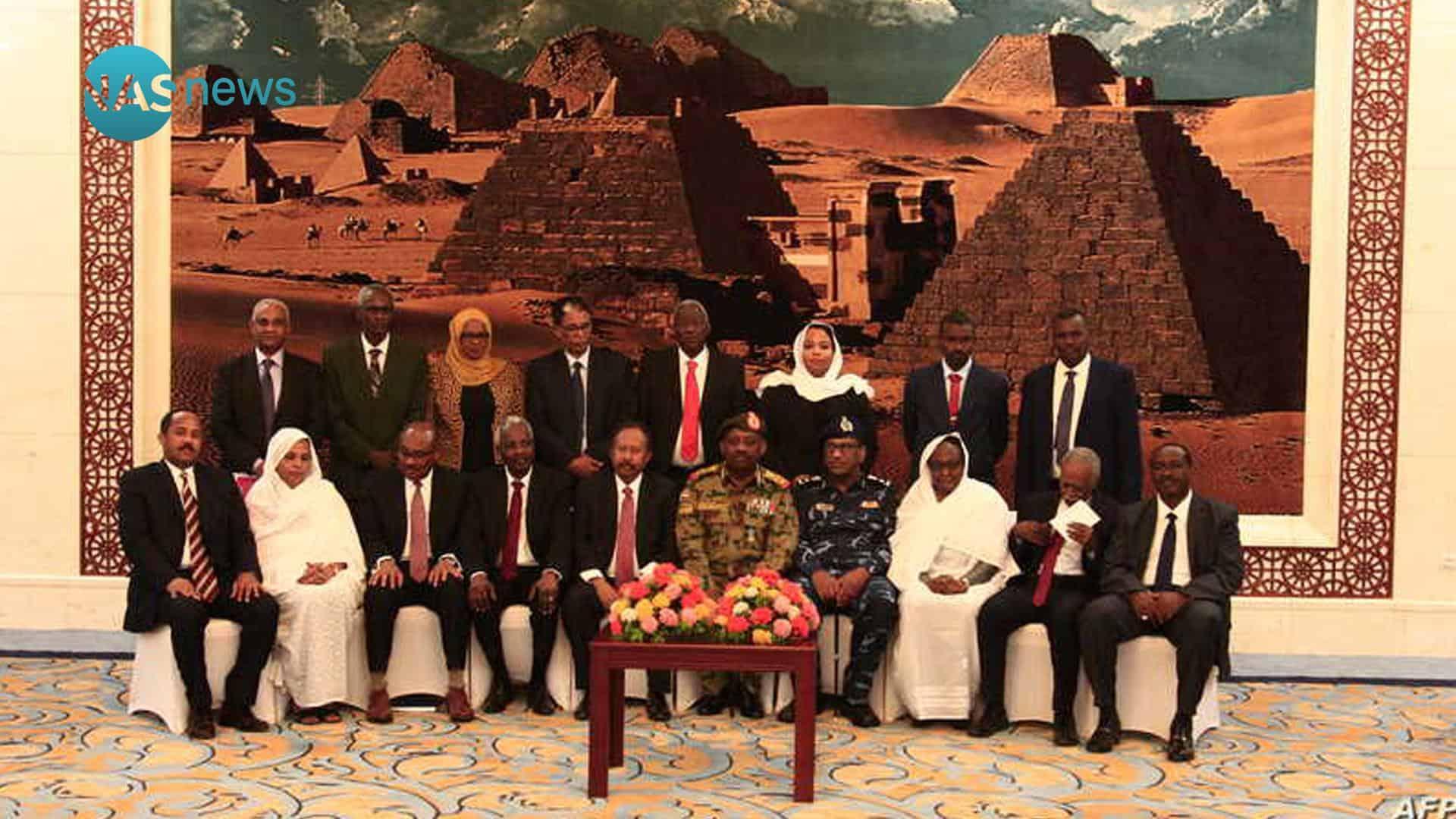 السودان يستعد للسلام بتعديلات في وزراء الحكومة الانتقالية