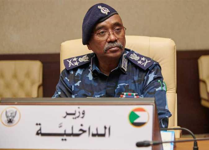 """الشرطة السودانية ...إصلاحات تصطدم بـ """"بيادق"""" العسكريين"""