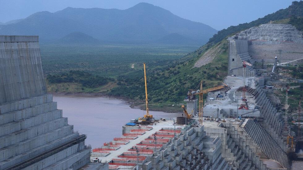 السودان يبدأ تخزين المياه تحوطا لملء السد الإثيوبي